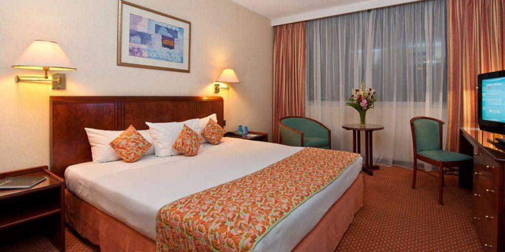 5 star hotel room rent